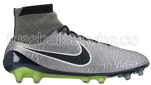 nike-magista-obra-liquid-chrome-metallic.jpg