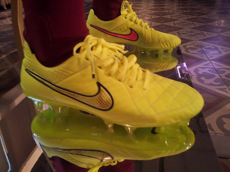 Nike Tiempo 2014 World Cup Boot (2).jpg