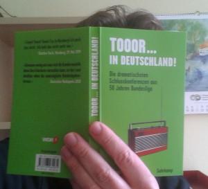 Holgy liest: Toor... In Deutschland!